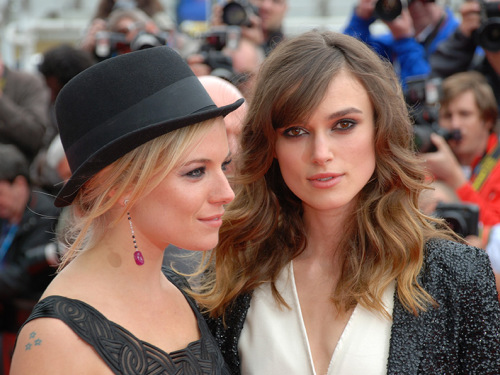09 sienna miller and keira knightley (credit steve cook edinburgh international film festival) festival listing