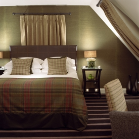 Malmaison  edinburgh  interior   bedroom   credit marketing edinburgh accomodation logo