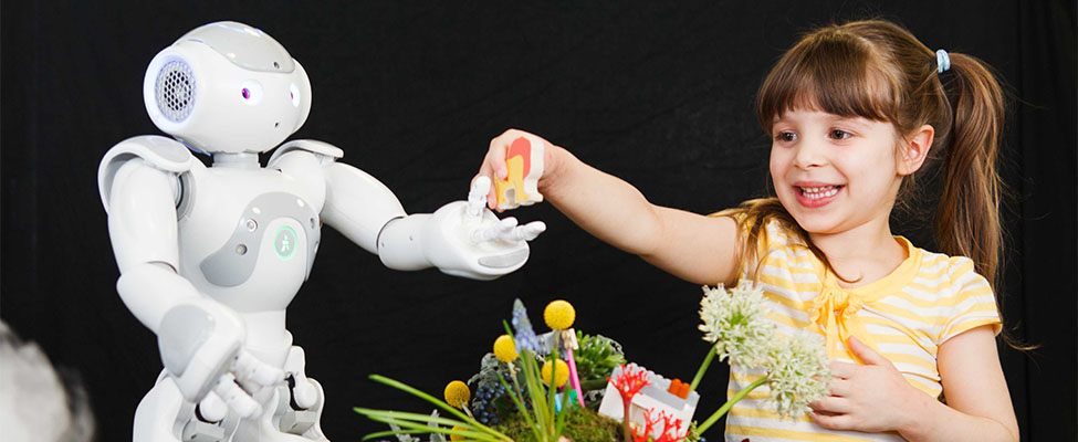 EdSciFest Robot and girl 975x400