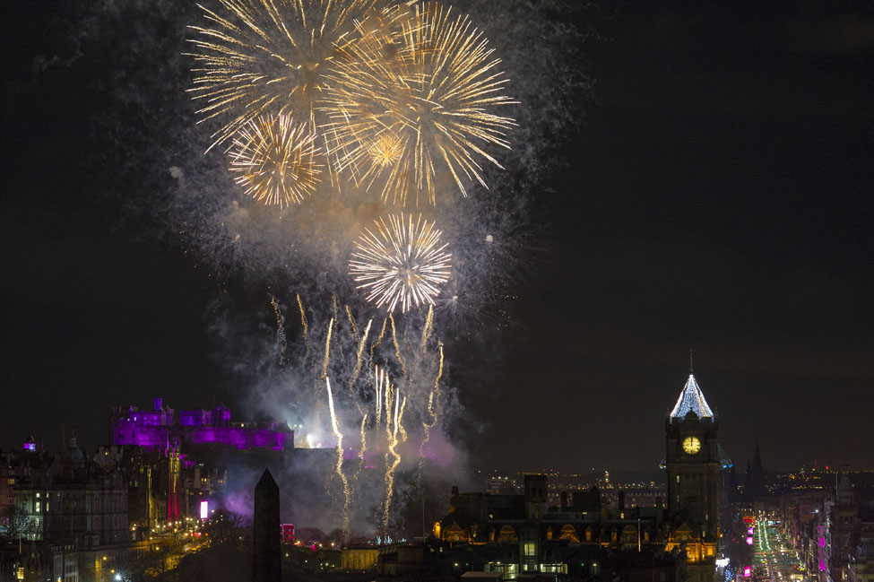 Edinburghs Hogmanay 2018 Midnight Fireworks Ian Rutherford 5