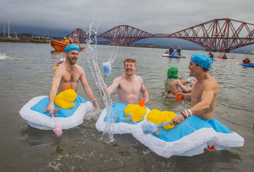 Edinburghs Hogmanay Loony Dook Chris Watt 3