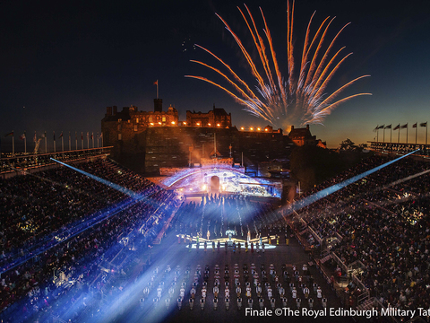 Finale %c2%a9the royal edinburgh military tattoo gallery thumbnail