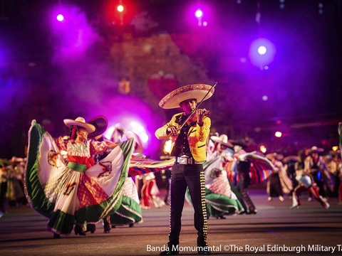 Banda monumental %c2%a9the royal edinburgh military tattoo gallery thumbnail